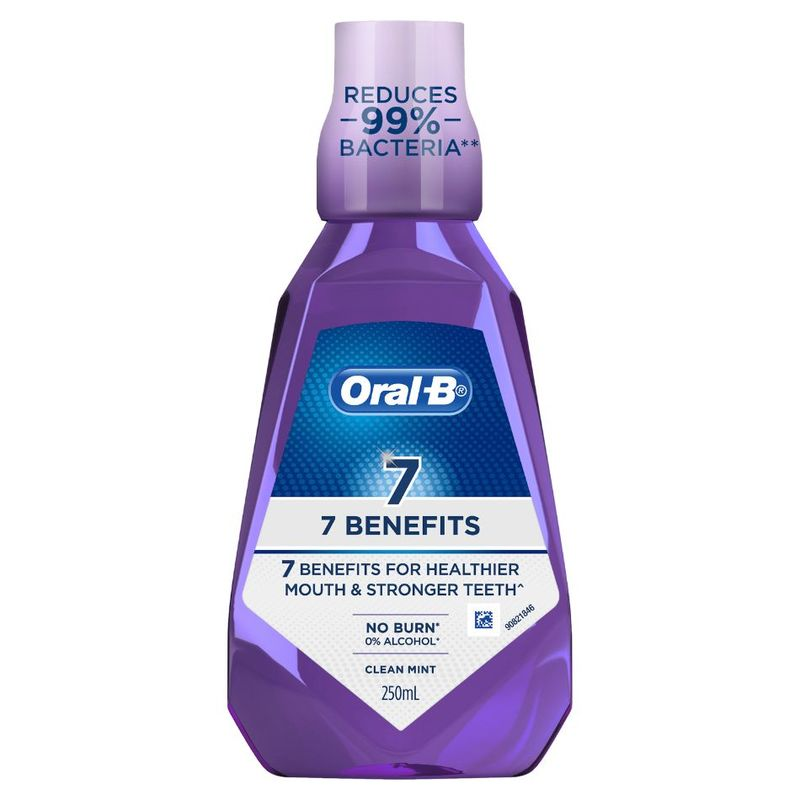 Oral-B 7 Benefits Clean Mint Mouthwash 250 ml
